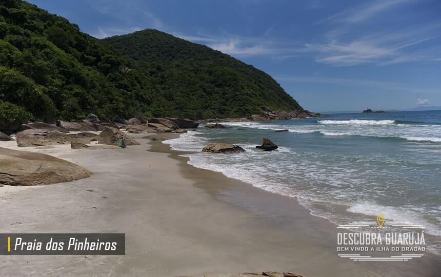 Praia dos Pinheiros em Guarujá SP