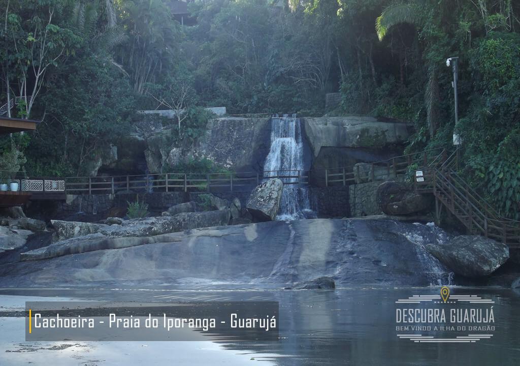 Vista Cachoeira da Praia de Iporanga - Guarujá