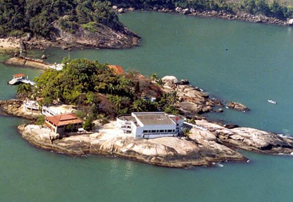 Linda vista da Ilha das Palmas Clube de Pesca Santos