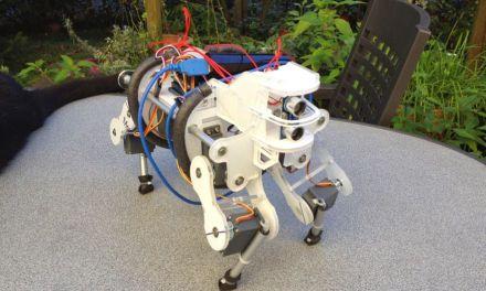 Un bebe robot cuadrupedo