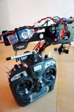 mimic arduino2 299x450 - Controla el vuelo y la cámara de tu dron mediante gestos gracias a Arduino