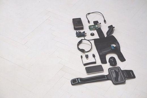 videoblast arduino1 - VIDEOBLΛST_R, un wearable para hacer video graffiti