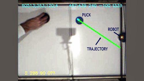 trajecroty - Juega al Air Hockey contra este robot controlado por Arduino