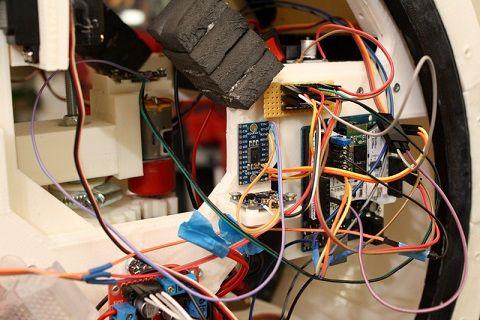 BB8-arduino Arduino esta detrás de esta increíble versión de BB8