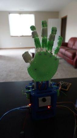 mano-robotica2-253x450 Aprende robótica con esta mano impresa en 3D y basada en Arduino