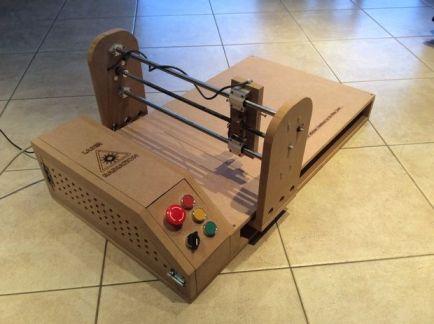 cortador-603x450 Un cortador láser diseñado en madera con Arduino