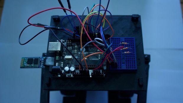 cerebro-robot2 WireBeings, robots de código abierto y Arduino impresos en 3D