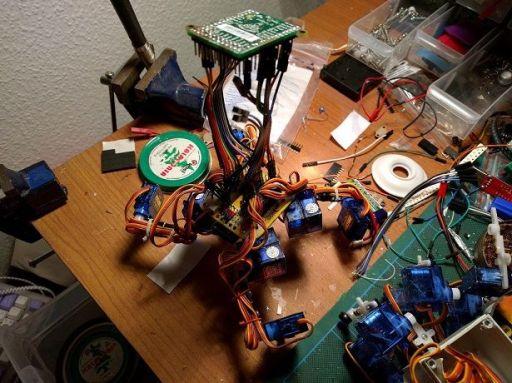 tote-602x450 Tote, un barato y fácil de construir robot cuadrúpedo basado en Arduino