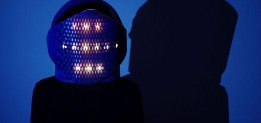 ampoule1 - Ampoule, un casco de madera que reacciona al sonido