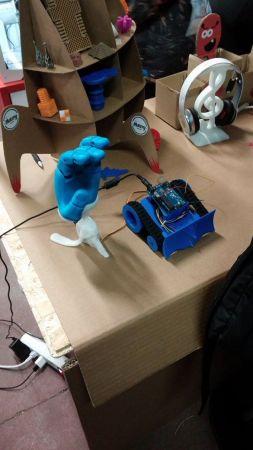 bmf15-253x450 Seguimos con el otoño maker, esta vez le toca a la Bilbao Maker Faire 2016