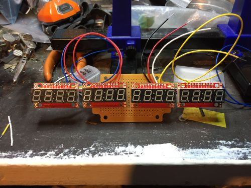 hot wheels arduino2 600x450 - Controla las carreras de tu circuito de Hot Wheels con Arduino