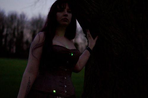 vestido arduino - Proyecto Firefly, un vestido iluminado con LEDS controlado con Arduino