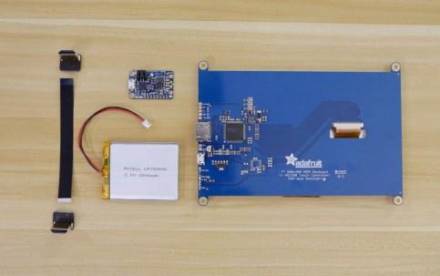 partes ordenador impresora 3d 718x450 - Cómo imprimir en 3D un mini PC portátil