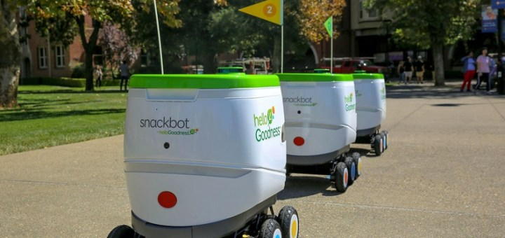 robots haciendo entregas
