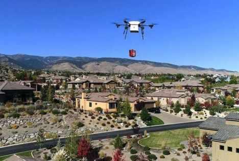 drone entregando medicinas