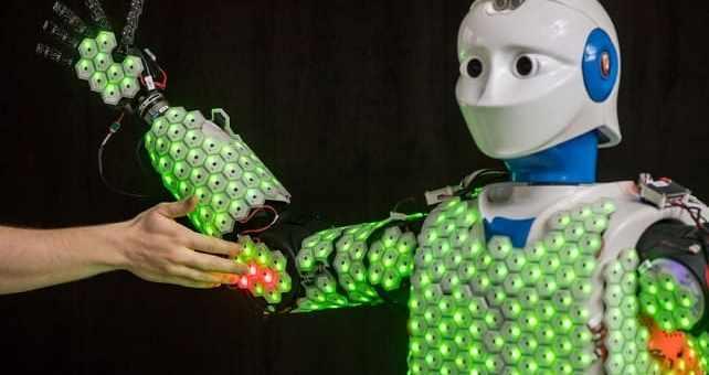 robot humanoide sensible al tacto