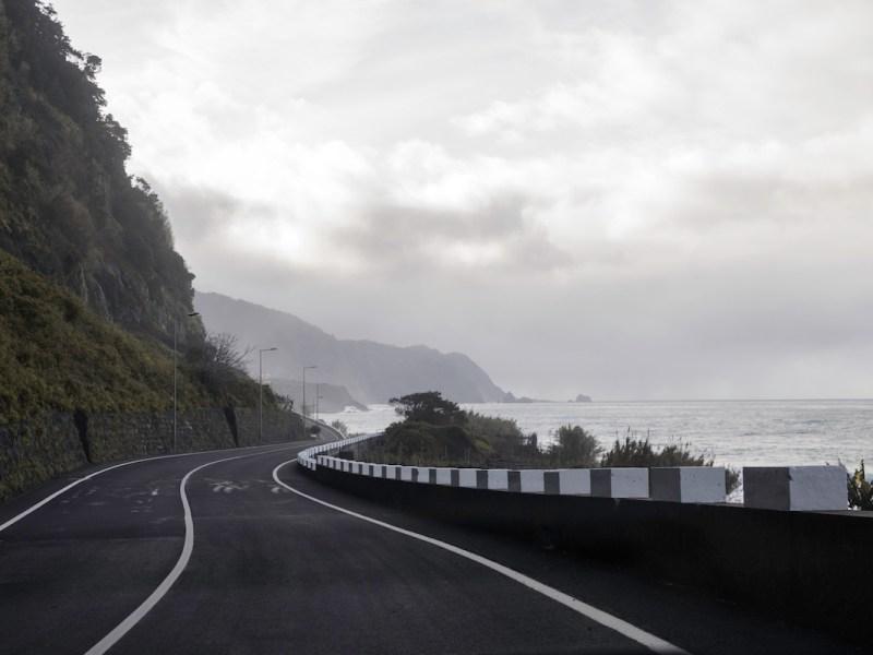 Carretera en el Norte de Madeira.
