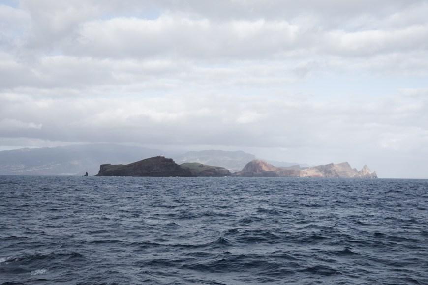 Islas deshertas des del ferry hacia Porto Santo