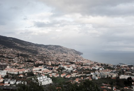 Vistas de Funchal des del Mirador dos Barcelos en Funchal, Madeira