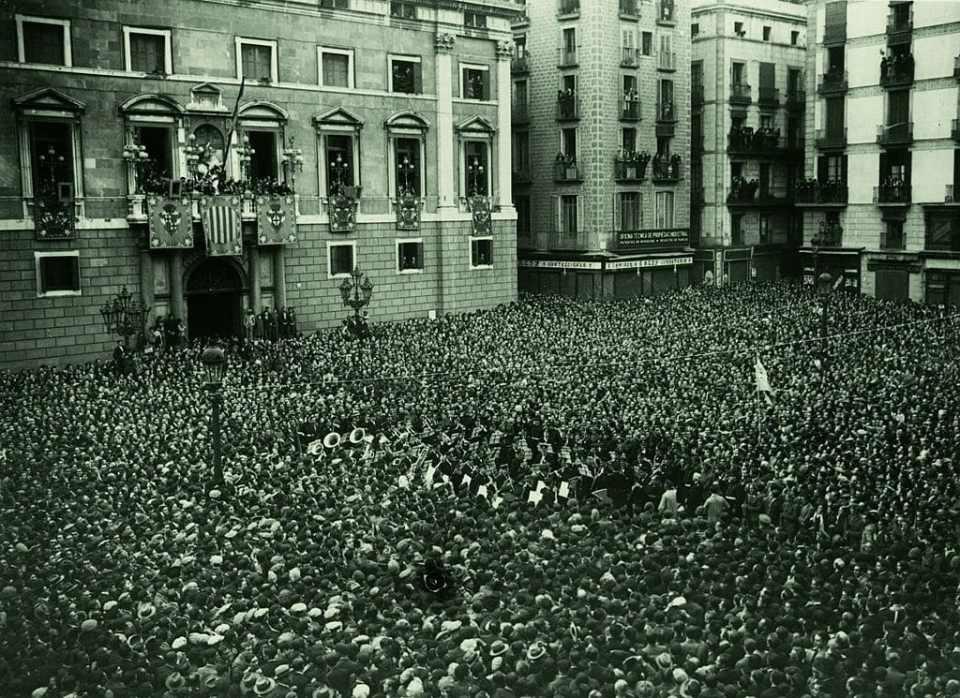 Proclamación de la República en Barcelona el 14 de abril de 1931.