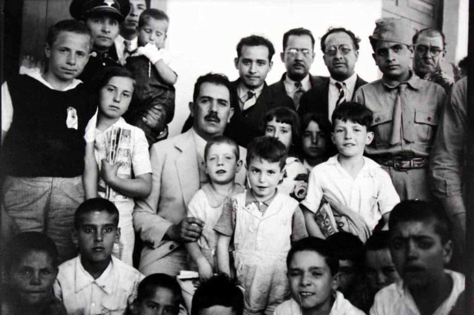 Más de 400 niños refugiados españoles llegaron a México en 1937 y fueron acogidos por el presidente mexicano Lázaro Cárdenas.
