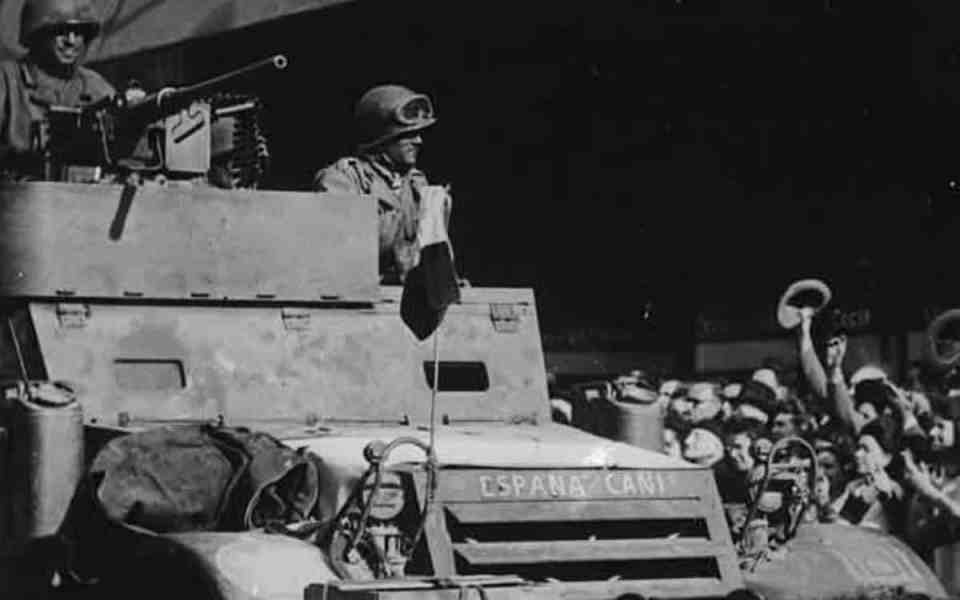 «La Nueve» entrando en París. 1944