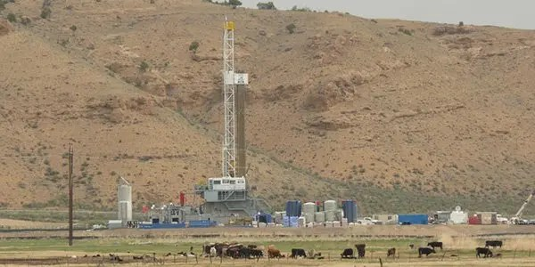fracking-Operation image