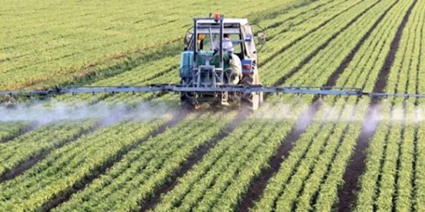 image of glyphosate-spraying