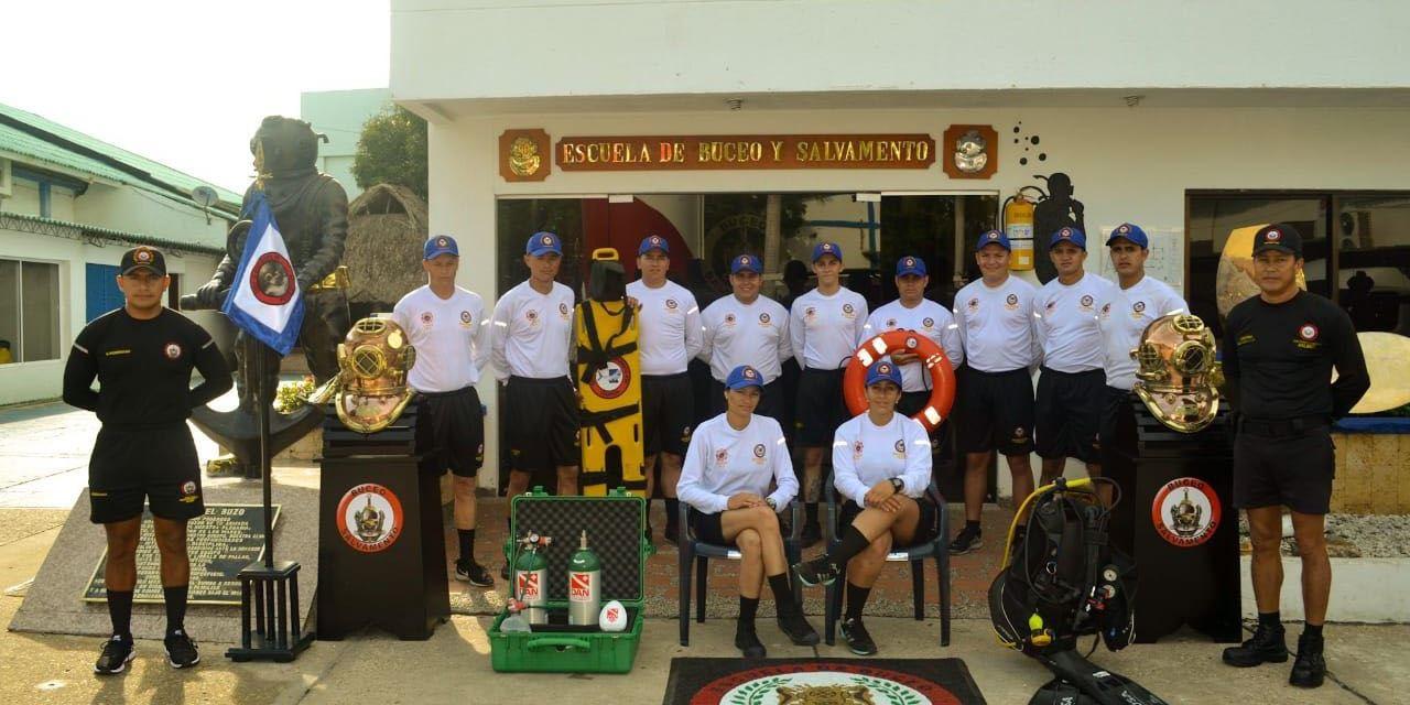 Bomberos Guatapé participan de curso de buceo en Cartagena
