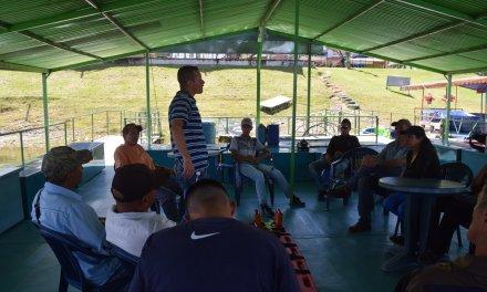 Lancheros y dueños de embarcaciones del municipio participaron de un taller sobre uso de extintores y primeros auxilios