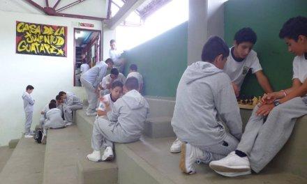 Joven participa de las actividades programadas desde la oficina de la juventud.