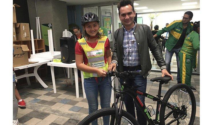 En bicicleta, niños de la zona rural llegarán más rápido a clases