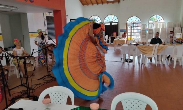 En Guatapé se conmemoró el día de la raza