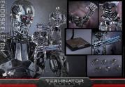 Terminator-Genisys-T-800-Hot-Toys-013