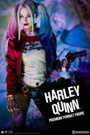 dc-comics-harley-quinn-premium-format-300656-01
