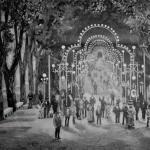 1882: iluminación en la Segunda Alameda para las Ferias de Santiago.
