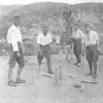 1925:jugando a los bolos en la Guerra de África