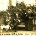 Fernando Díaz de Mendoza y María Guerrero visitan a Galdós en su finca de San Quintín, en El Sardinero.
