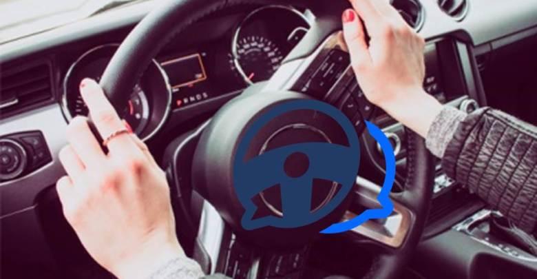contestar mensajes conduciendo
