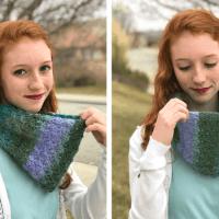 Peacock Cowl—Free Crochet Pattern