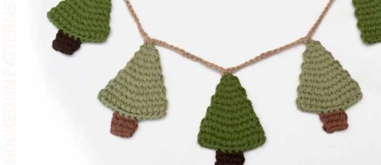 Rustic Crochet Christmas Tree Garland