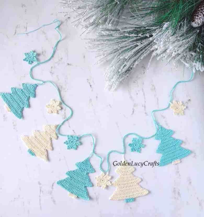 Crochet Christmas Tree + Snowflake Garland