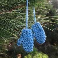 Crochet Mitten Ornament Pattern - Free & Easy!