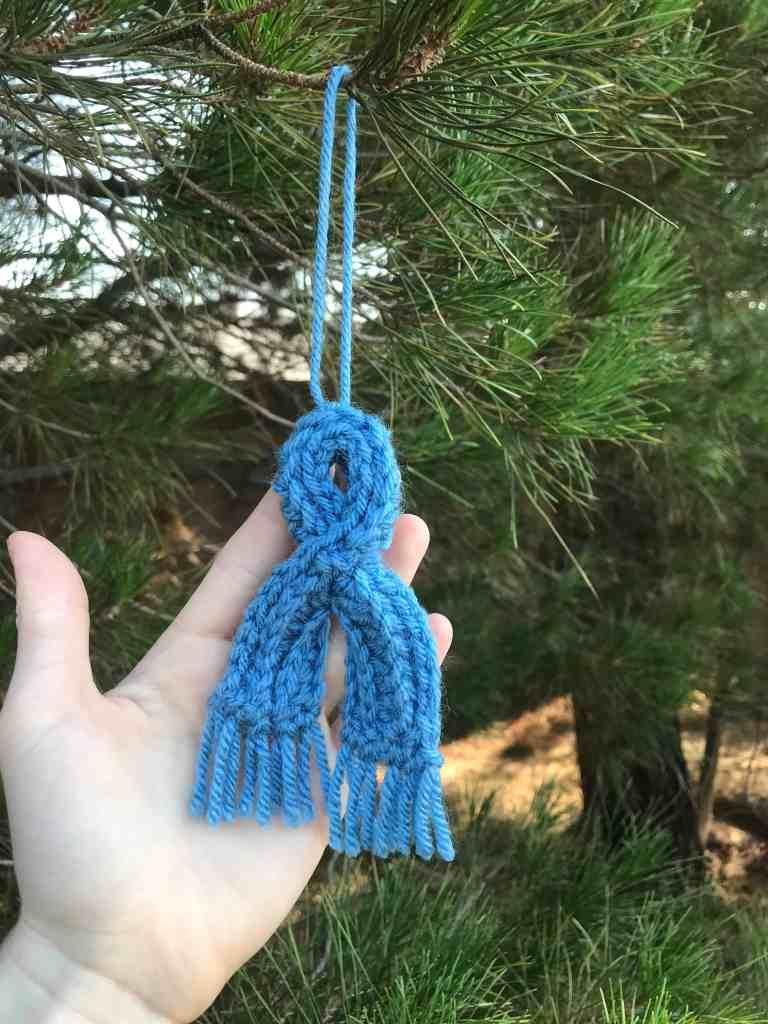 Modèle d'écharpe au crochet miniature