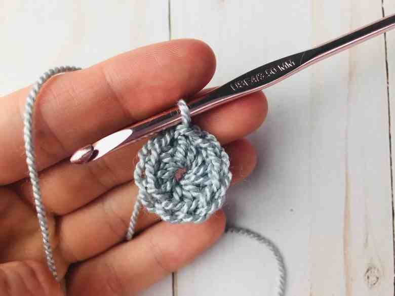 round 1 - large crochet star
