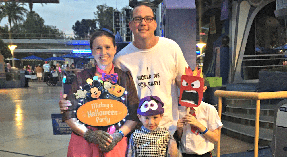 inside-out-family-costumes-at-mickeys-halloween-party