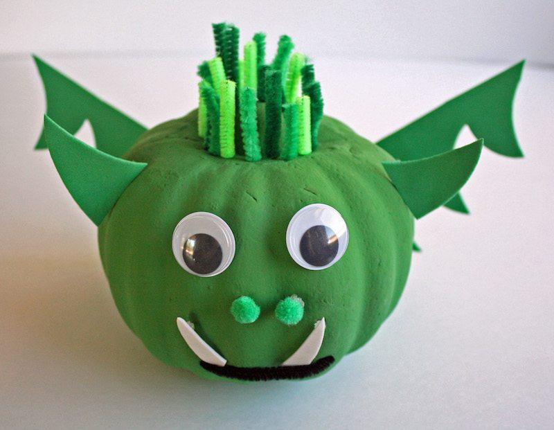 petes-dragon-pumpkin-halloween-craft