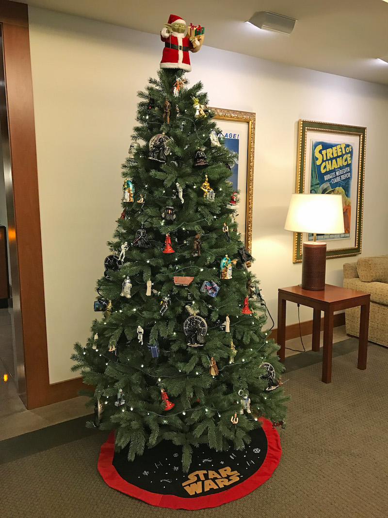 star-wars-christmas-tree-at-lucasfilm