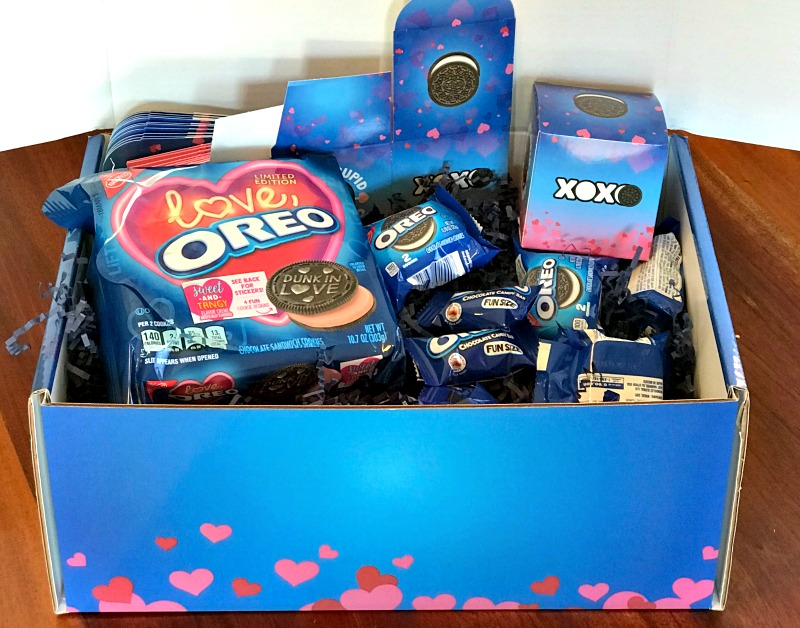 Easy Ways to celebrate with Oreo Valentine's Day Exchange Kit