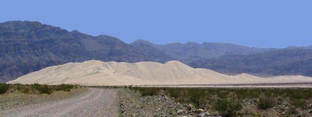 SandDunesEurekaGThomas2006